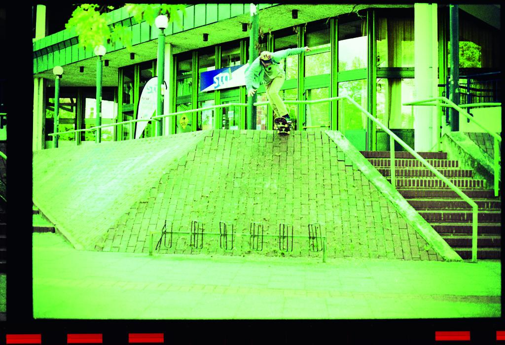 LennieBurmeister-bs tailslide-hannover-preview(xl)