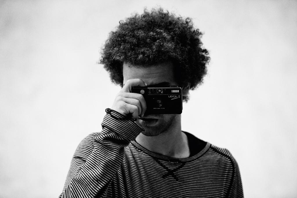 Nassim_Guammaz_Plastic_Leica_Sharpened_AdobeRGB_45503_B&W