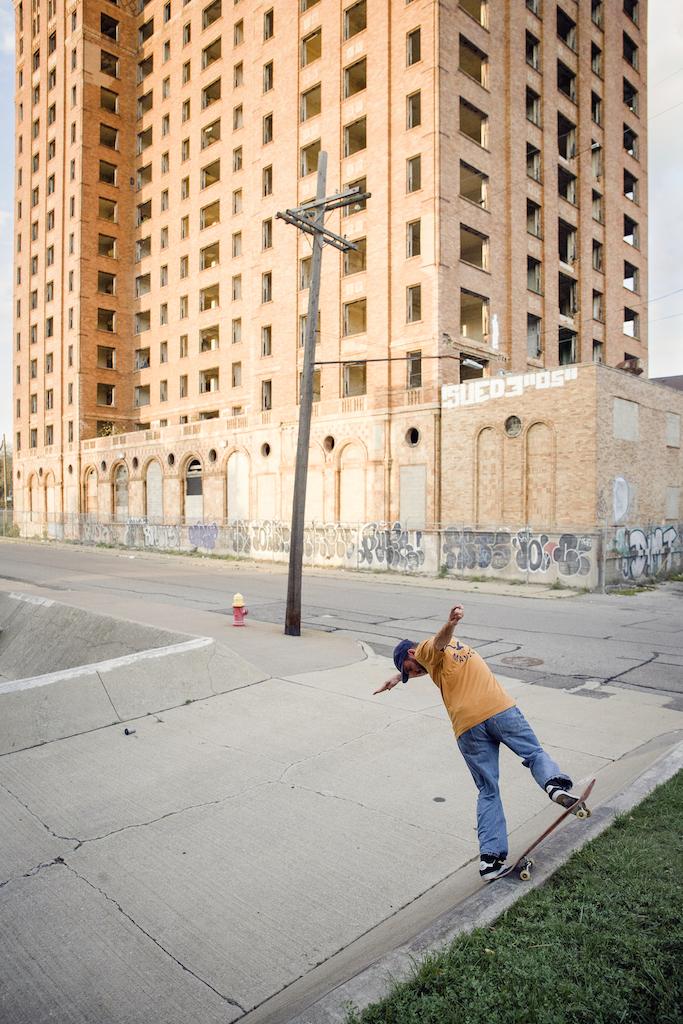 TjarkThielker-bsnosebluntslide-Detroit-neu